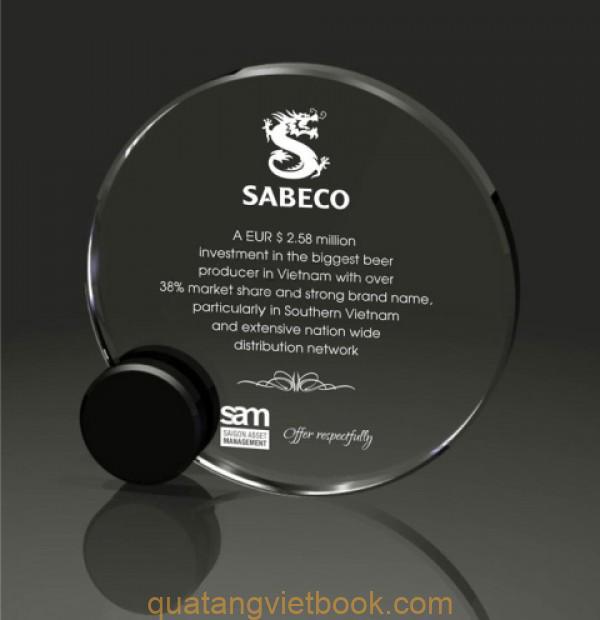 In kỷ niệm chương Sabeco trên thủy tinh