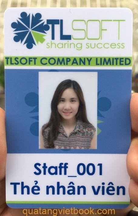 In thẻ nhân viên nhựa PVC có độ bền cao