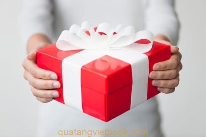 quà tặng cho khách hàng