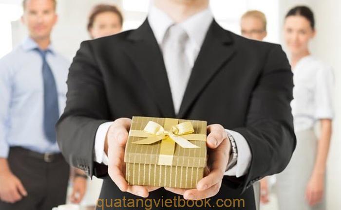 các loại quà tặng khách hàng